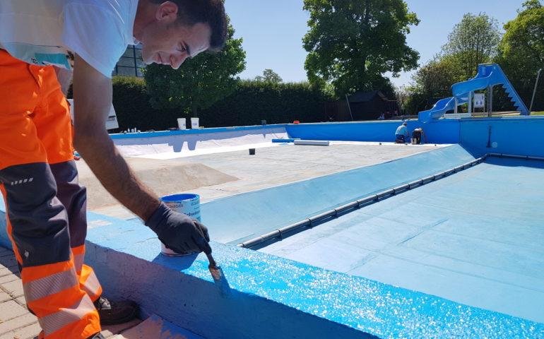 Neue folie und farbe f r schwimmbad kaltennordheim for Folie schwimmbad